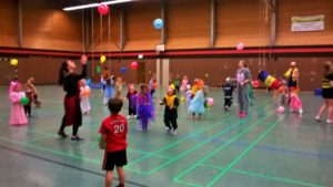 Kinder-Karneval in der Halle