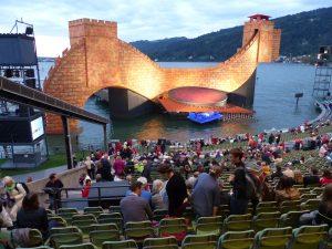 """Grandiose Seebühne in Bregenz, mit der Oper von Puccini """"Turandot"""""""