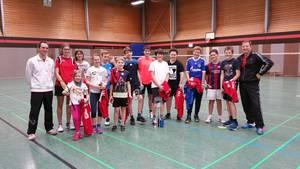 Badmintonjugend in der Halle letztes Training 2016