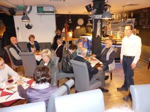 Im Cafe Konkurs, unser 1. Vorsitzender Holger Hütig bedankt sich