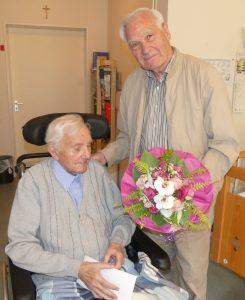 Gustav Finken 90 Jahre, Theo Tilosen gratuliert ganz herzlich
