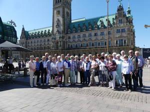 Reisegruppe um Charly Foncken mit vielen Mitgliedern des TVB in Hamburg