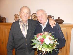 Es gratuliert unser Ehrenvorsitzender Theo Tilosen dem Ehrenmitglied Ernst von Bihl zum 95. Geburtstag
