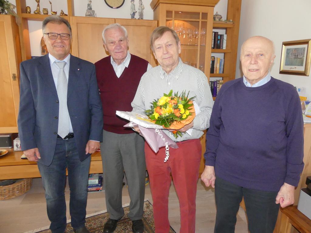 Der Vorstand gratuliert Rolf Johanshon zum 80. Geburtstag