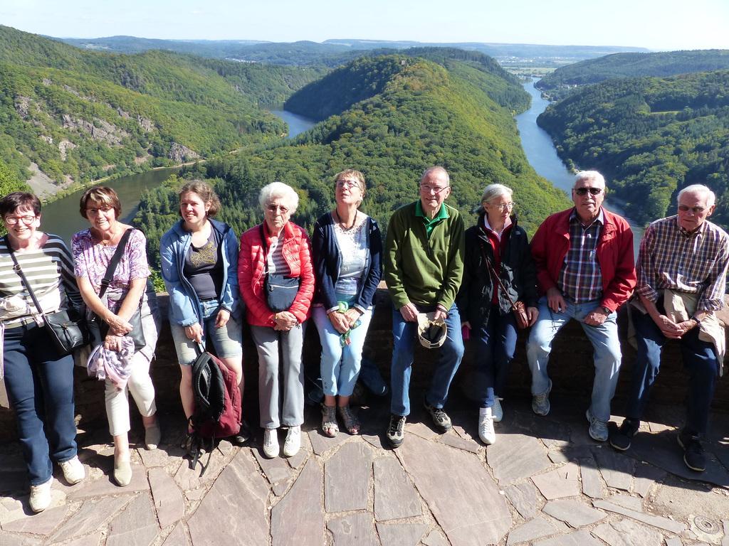Ein Teil der Reisegruppe vor der Saarschleife